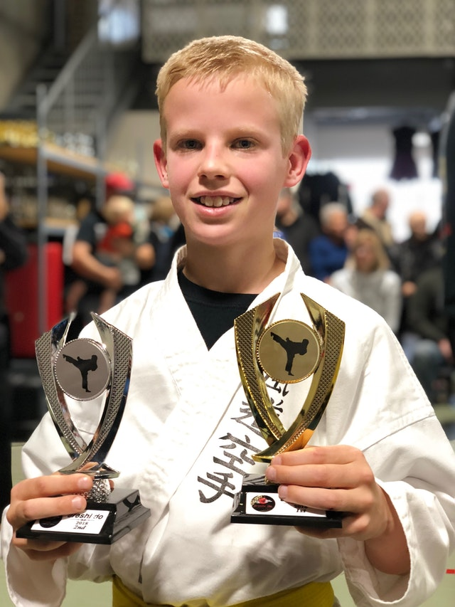 champion-karate-kids-trophy-1699247.jpg
